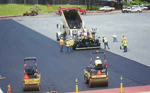 Porous asphalt being placed at Alexander Field, Punahou School